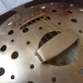 Chitarra resofonica